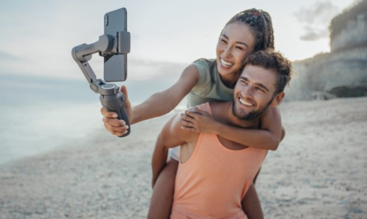 DJI Osmo Mobile 3 Announced – Foldable Design and Quick Portrait-Landscape Switching